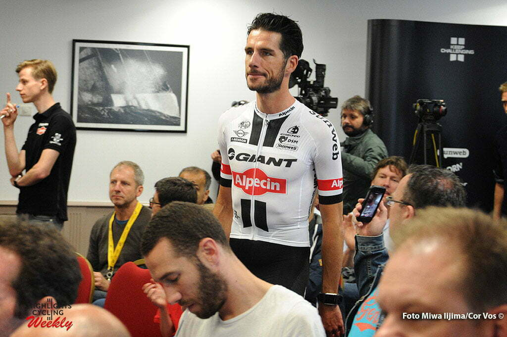 Port-en-Bessin - France - wielrennen - cycling - radsport - cyclisme - Roy Curvers (Netherlands / Team Giant - Alpecin) pictured during presentation Team Giant - Alpecin in new Tour de France outfit - photo Miwa IIjima/Cor Vos © 2016