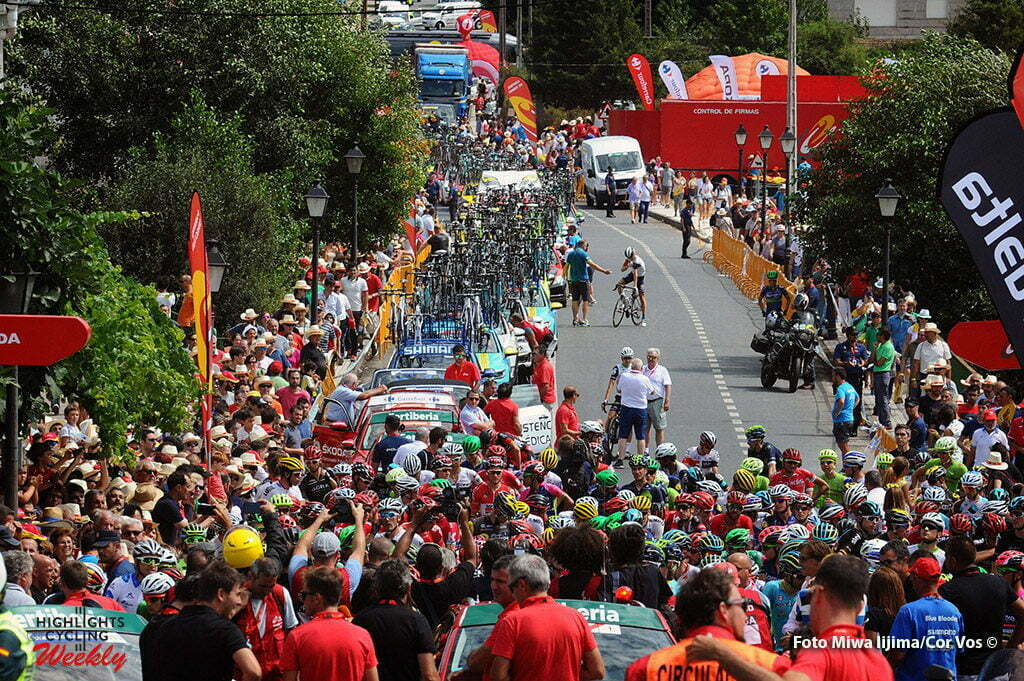 Puebla de Sanabria - Spain - wielrennen - cycling - radsport - cyclisme - illustration - sfeer - illustratie at the start pictured during stage 7 from Maceda to Puebla de Sanabria - Vuelta Espana 2016 - photo Miwa iijima/Cor Vos © 2016
