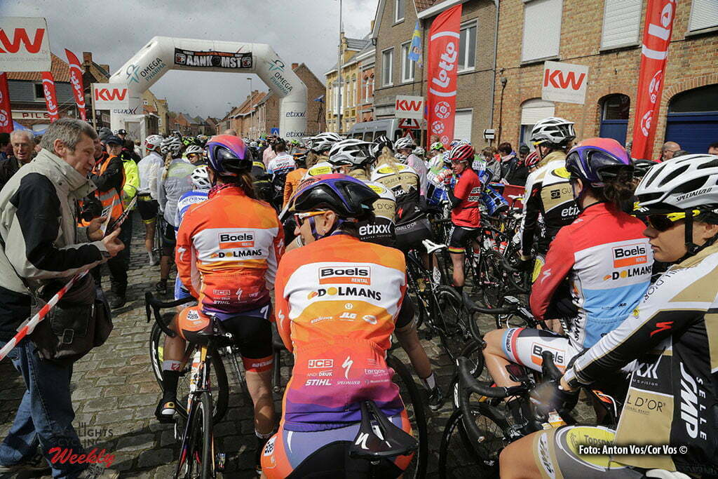 Boezinge - Belgium - wielrennen - cycling - radsport - cyclisme - illustration - sfeer - illustratie Boels Dolmans Cycling Team pictured during Dwars door de Westhoek in Boezinge - photo Anton Vos/Cor Vos © 2016